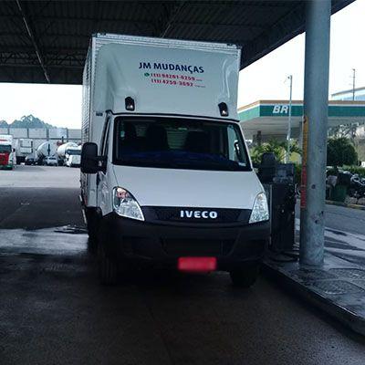 TRANSPORTES E CARRETOS NA REGIÃO DE SANTA CRUZ (11) 4259-3692